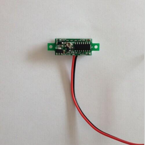 v18d全球最小0-100v三线式直流电压表